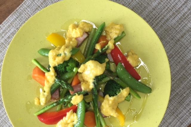旬野菜のサッと蒸し カルボナーラソース